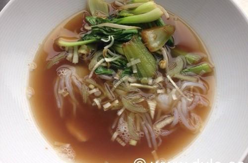 Sopa China con dorada y verduras